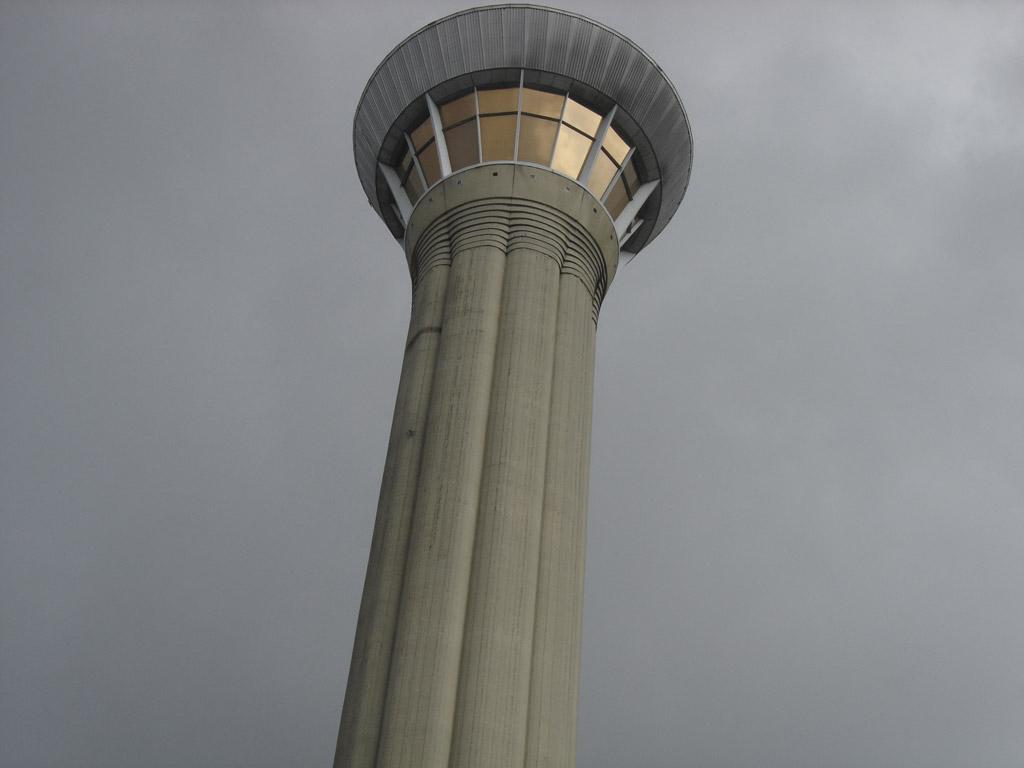 L'une des tour de contrôle de l'aéroport Charles de Gaulle