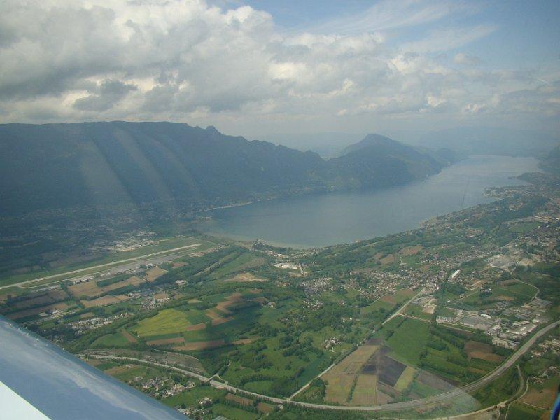 Le lac du Bourget et son aéroport !