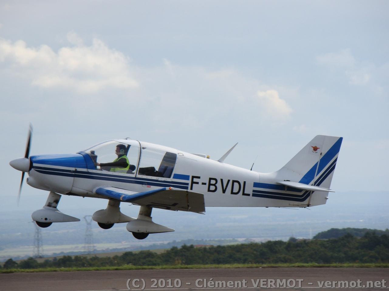 DR400 de la Patrouille de l'aéroclub de Darois