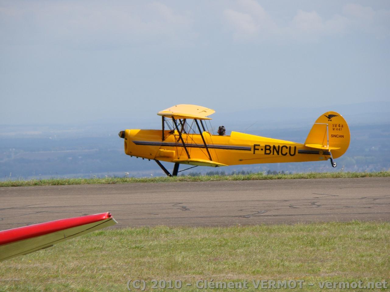 Le Stampe SV4A n°447 à l'atterrissage