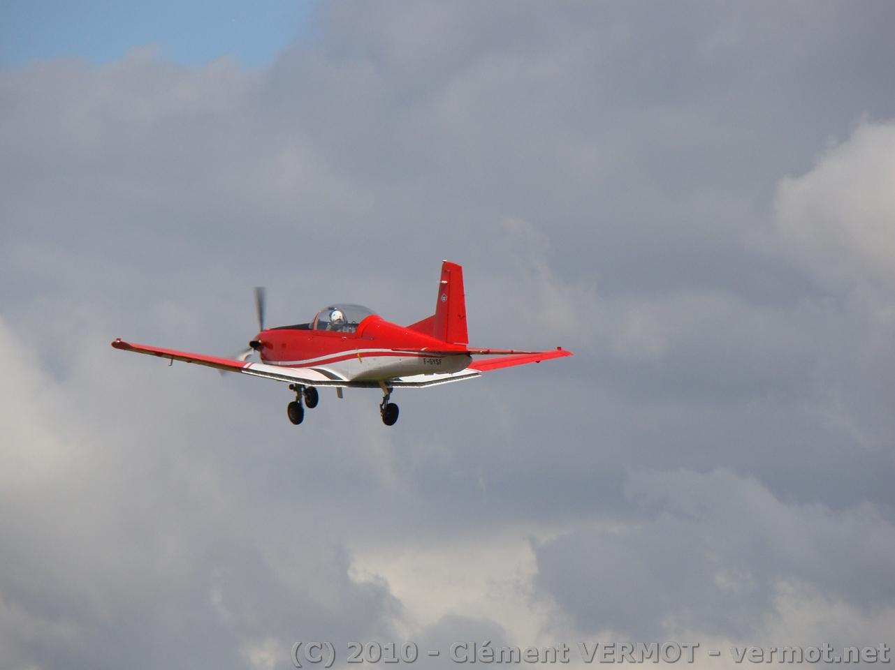 Le Pilatus PC-7 F-GYSF au décollage