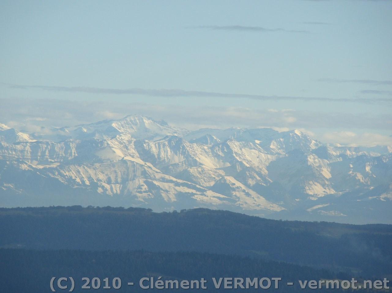 Gros plan sur les Alpes