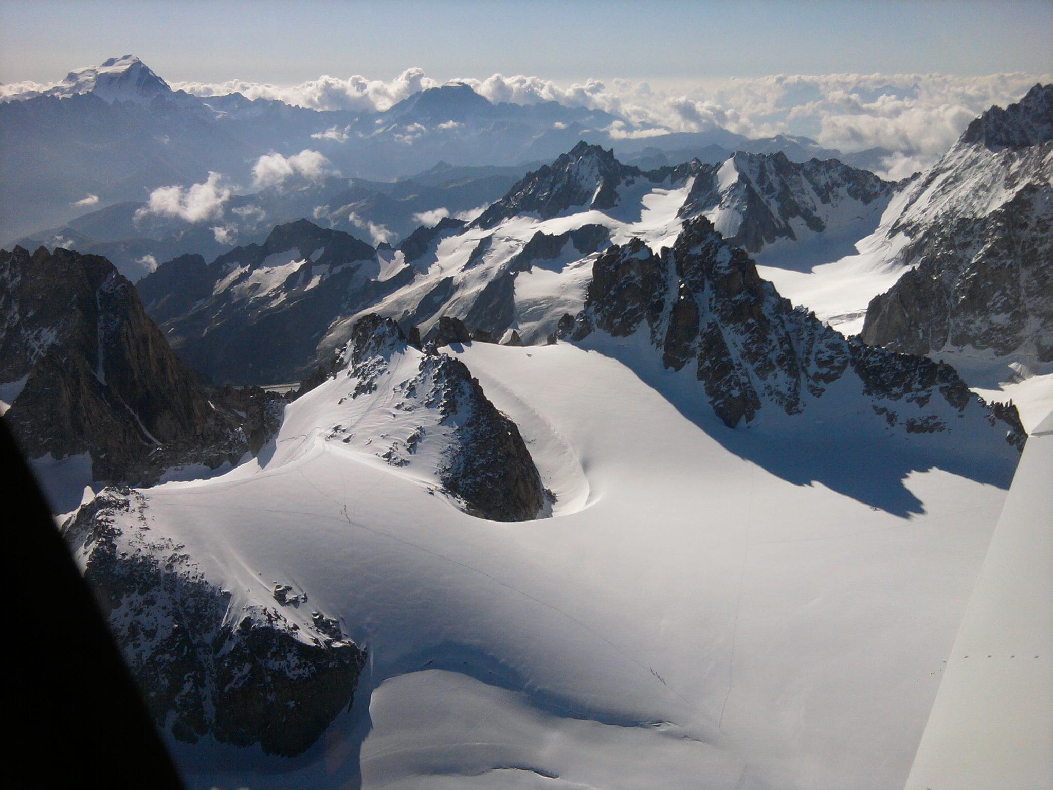 La neige immaculée des montagnes