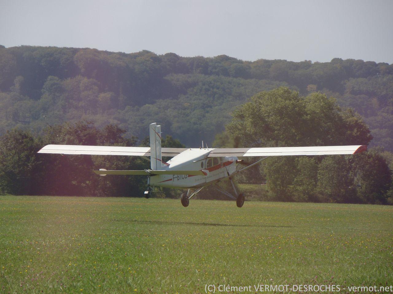 F-BTCG, Pilatus PC-6 en son état, en très courte finale à Thise