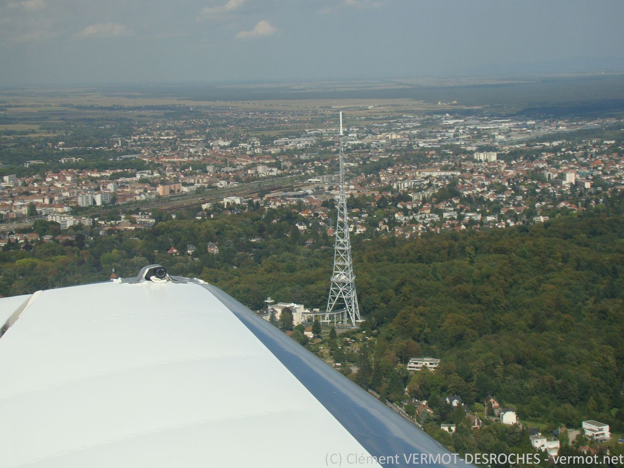 Le point WH (Whisy Hôtel pour les intimes) de Mulhouse Habsheim, 1706 ft en haut de l'antenne, nous sommes à 1800 ft)