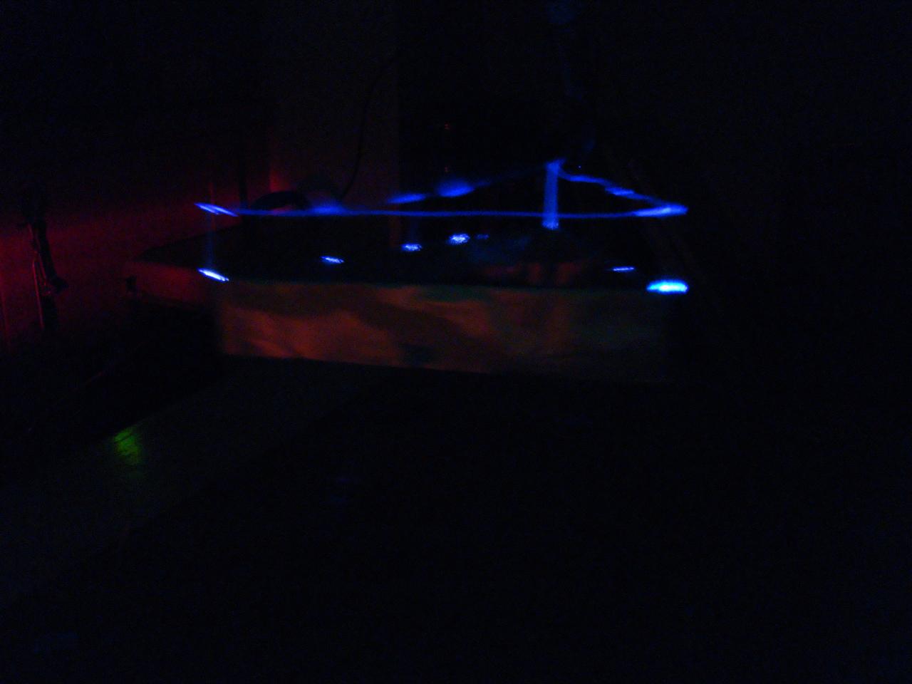 Le plasma autours des électrodes du lifter
