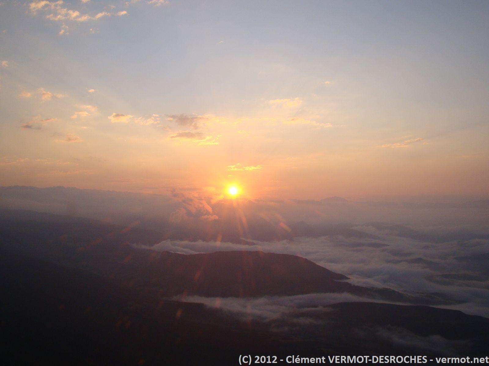 Levé du soleil peu après le décollage de Montelimar