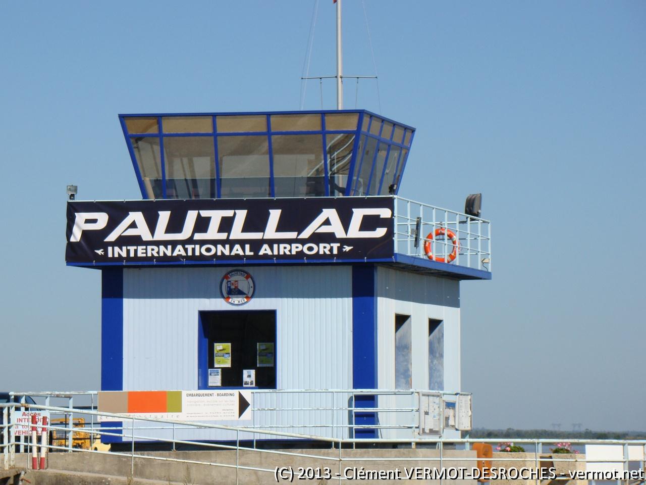 Petit clin d'œil : le port de Paulliac est transformé aujourd'hui en Aéroport International !