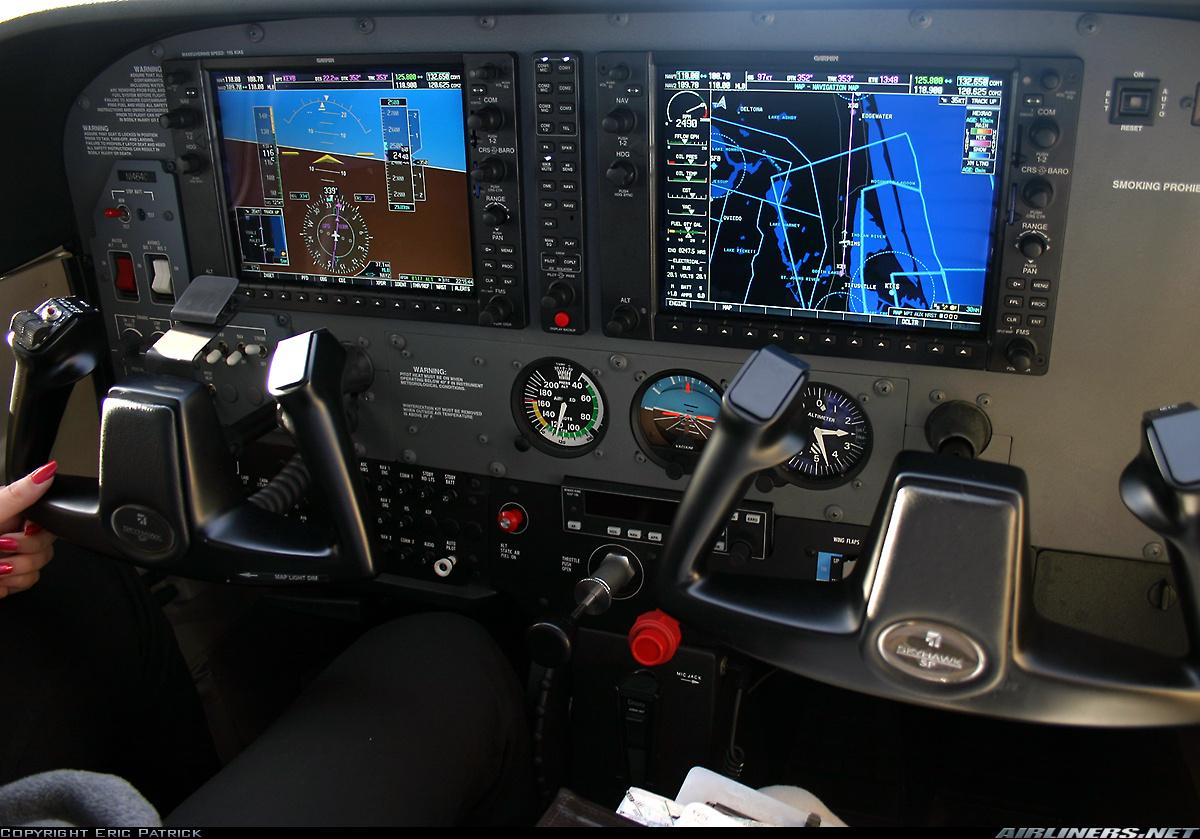 Cockpit de Cessna 172SP G1000, quasi identique à celui de mon aérolcub